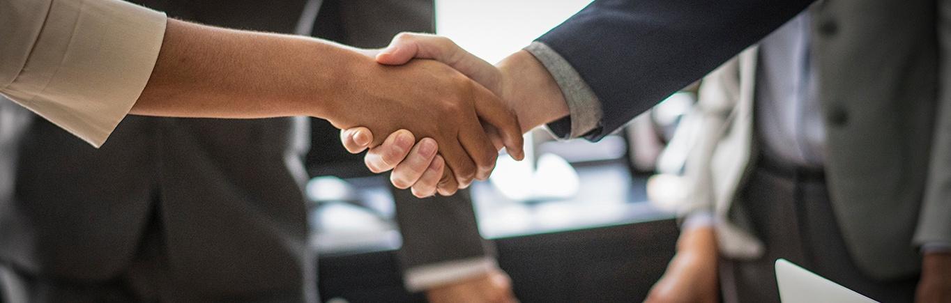 Team work- fomente a sus empleados a colaborar entre ellos y cumplir metas.jpg