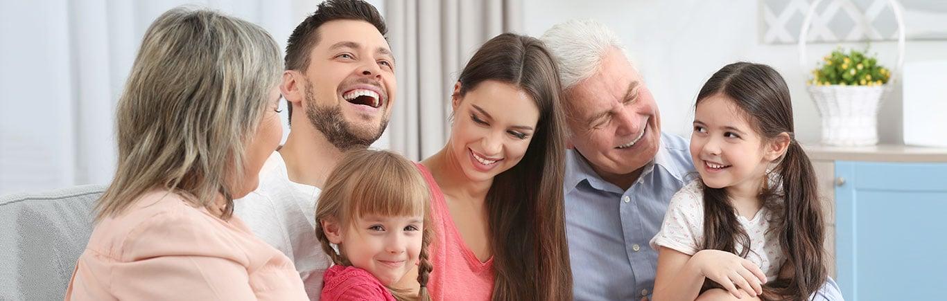 Por fin un seguro médico para tus papás y abuelos.jpg