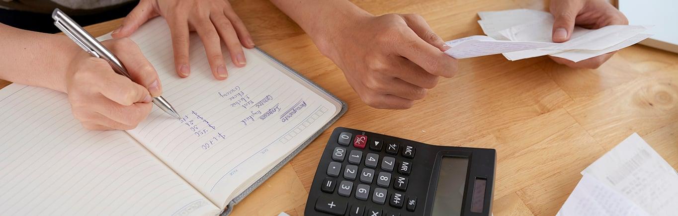 1. ¡Mantén las finanzas sanas en tu hogar!
