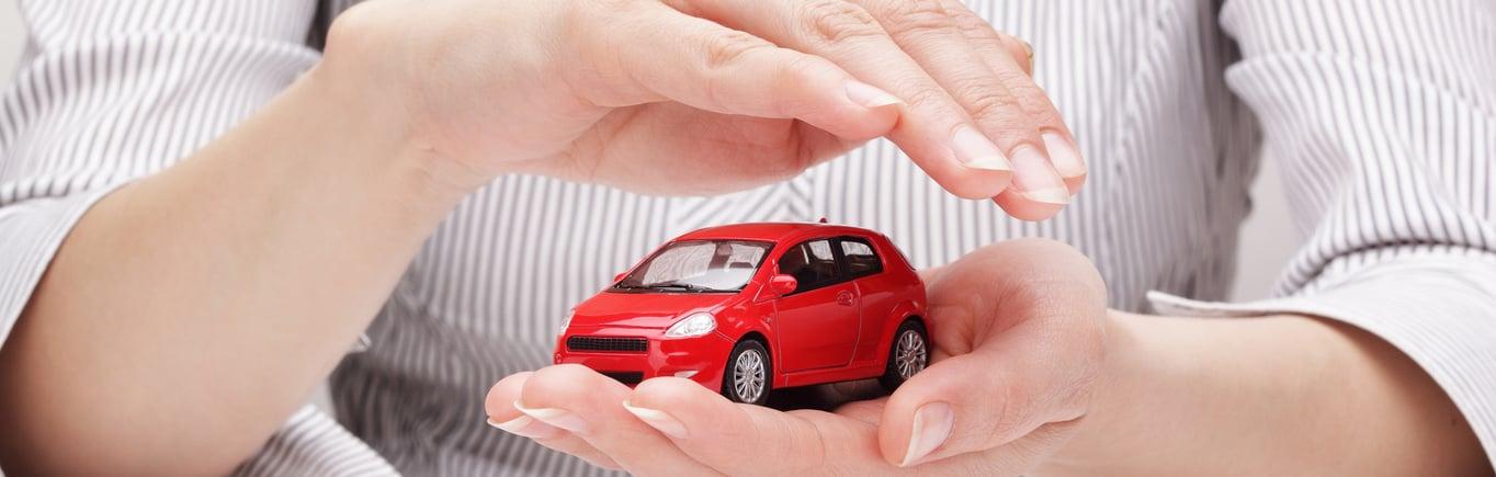 ¿Por qué los carros nuevos incluyen seguro?