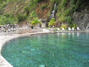 aguas-arnedillo-piscina-termal1.jpg